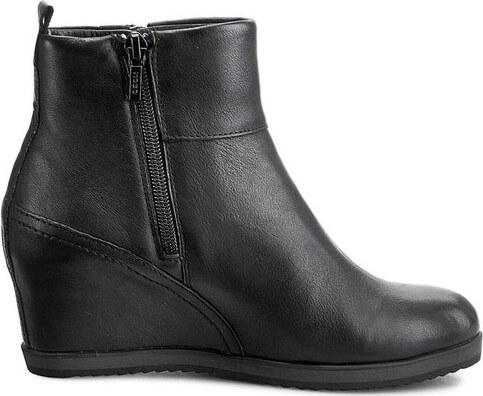 e9b2bf02c90 GEOX Dámské elegantní kotníkové boty Illusion Black D5454B-00043-C9999