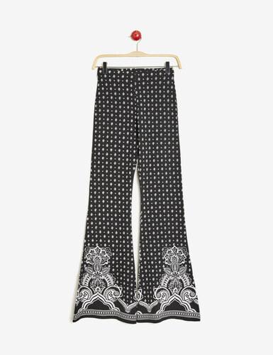pantalon flare fluide noir et blanc jennyfer. Black Bedroom Furniture Sets. Home Design Ideas