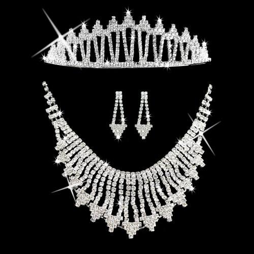 129ff3cc2a2 Fashion Icon Štrasová sada Triangle náhrdelník