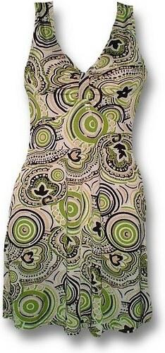 Atraktivní šaty sexy střih