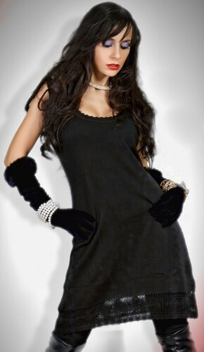 Černé úpletové šaty