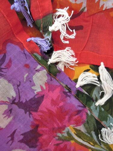 Barevný dámský šátek