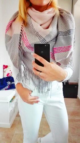 Luxusní maxi šátek zimní světle růžový - Glami.cz ae3b48a5cb