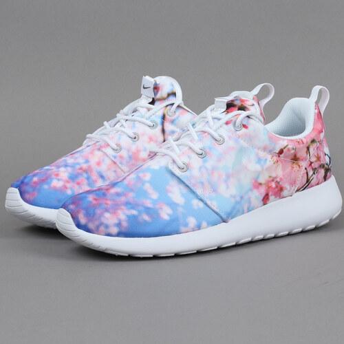 4ad80f60e55 Nike WMNS Roshe One Cherry Blossom white   pure platinum - Glami.cz