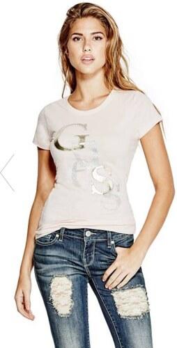 -13% GUESS tričko Irisa Staggered Logo tee powder pink 1bcbc9db0de