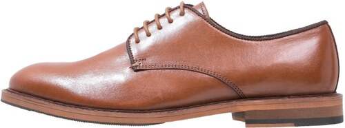 peralston derbies taupe