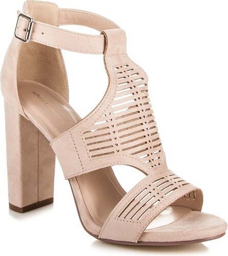 ac726b636fc9 Módne krémové sandále - Glami.sk