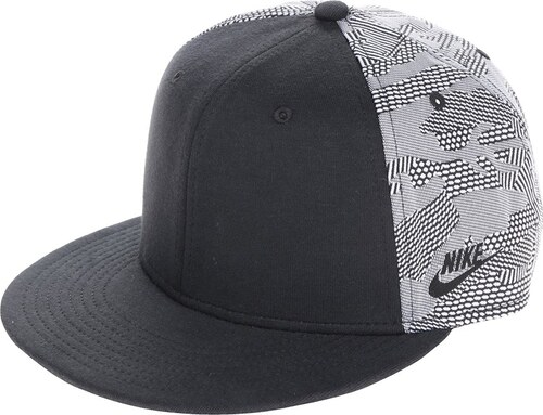 253b33a21b5 Krémovo-černá pánská kšiltovka Nike True - Glami.cz