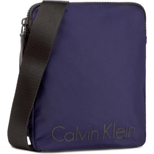 a02dfaf713 Brašna CALVIN KLEIN - Blithe Flat Crossover K50K503447 426 - Glami.cz