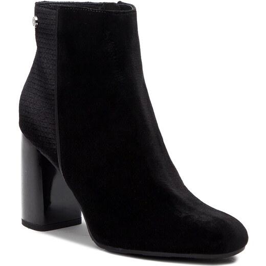 67ecd3a295 Členková obuv TOMMY HILFIGER - Structured Velvet Bootie FW0FW03617 990 -  Glami.sk