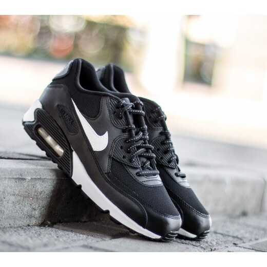 Nike Air Max 90 Flash GS Black  Summit White US 5.5 - Glami.cz 80a6b049dc