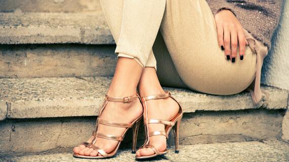 Pièce-clé de l'été : les sandales