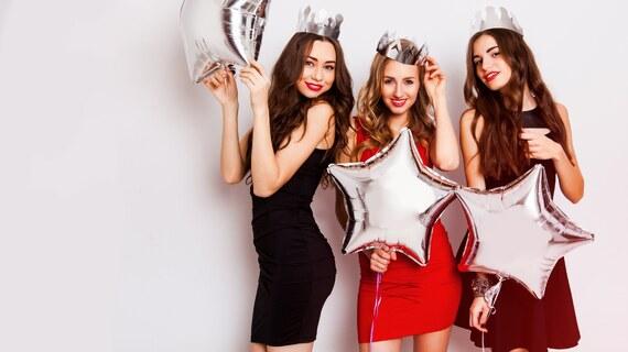 Kollektion Lasst uns feiern! | Partykleider und Accessoires von domodi