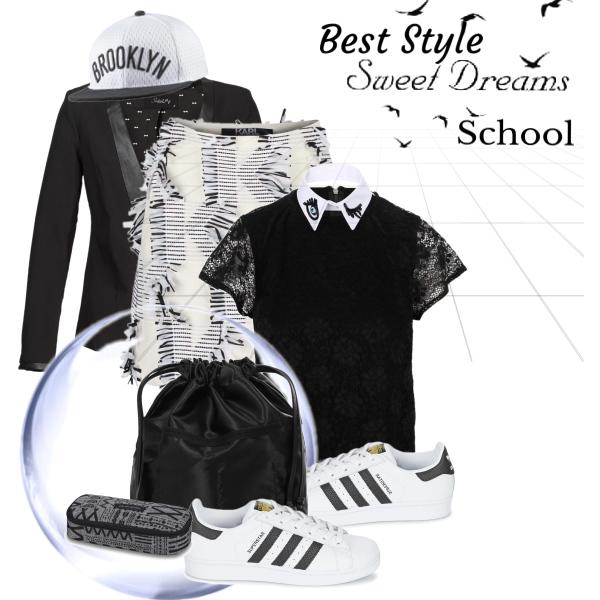 School a bílé tenisky
