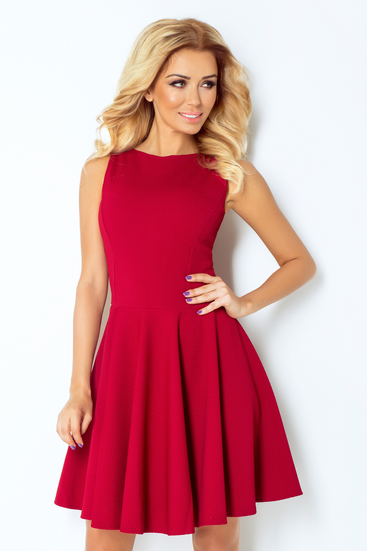 1b2daca6cbd3 numoco Společenské a plesové exkluzivní šaty s kolovou sukní krátké bordó